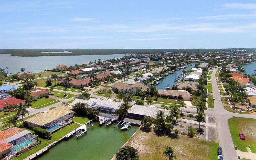 1760 Barbados Ave, Marco Island - House For Sale 1228217981