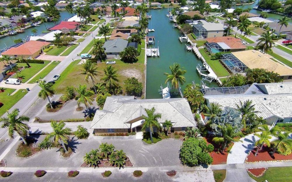 1760 Barbados Ave, Marco Island - House For Sale 1788732728