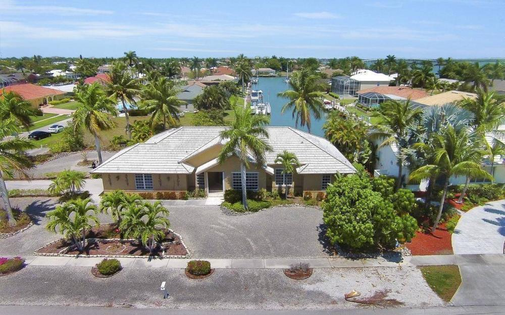 1760 Barbados Ave, Marco Island - House For Sale 214494266