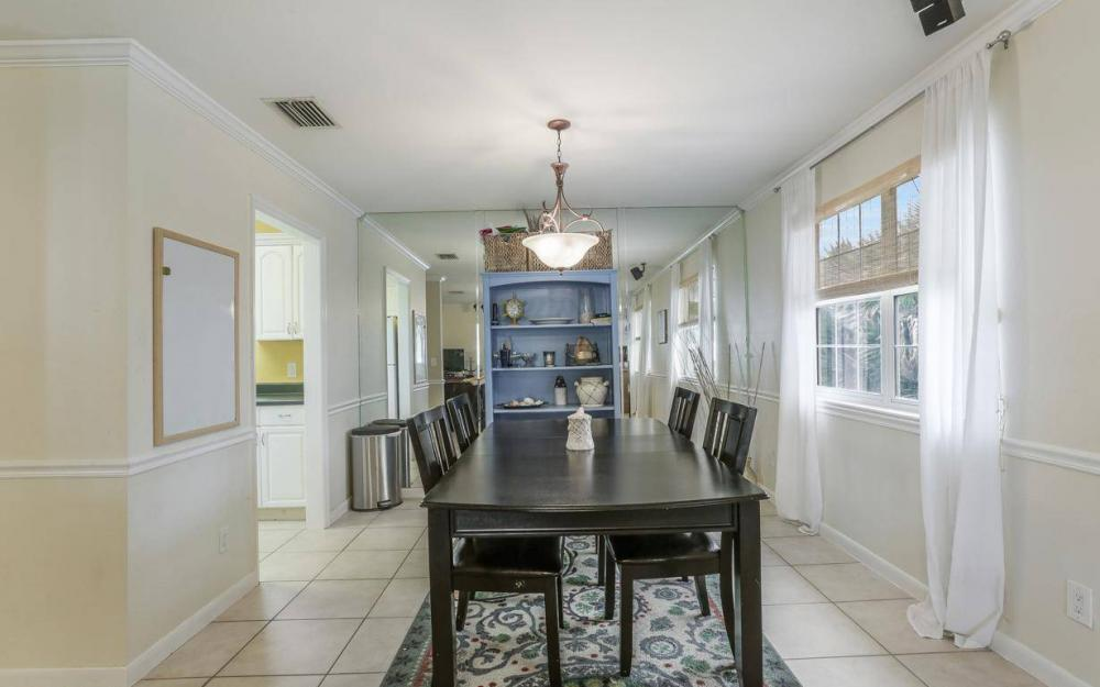 301 Colonial Ave, Marco Island - House For Sale 1056295977
