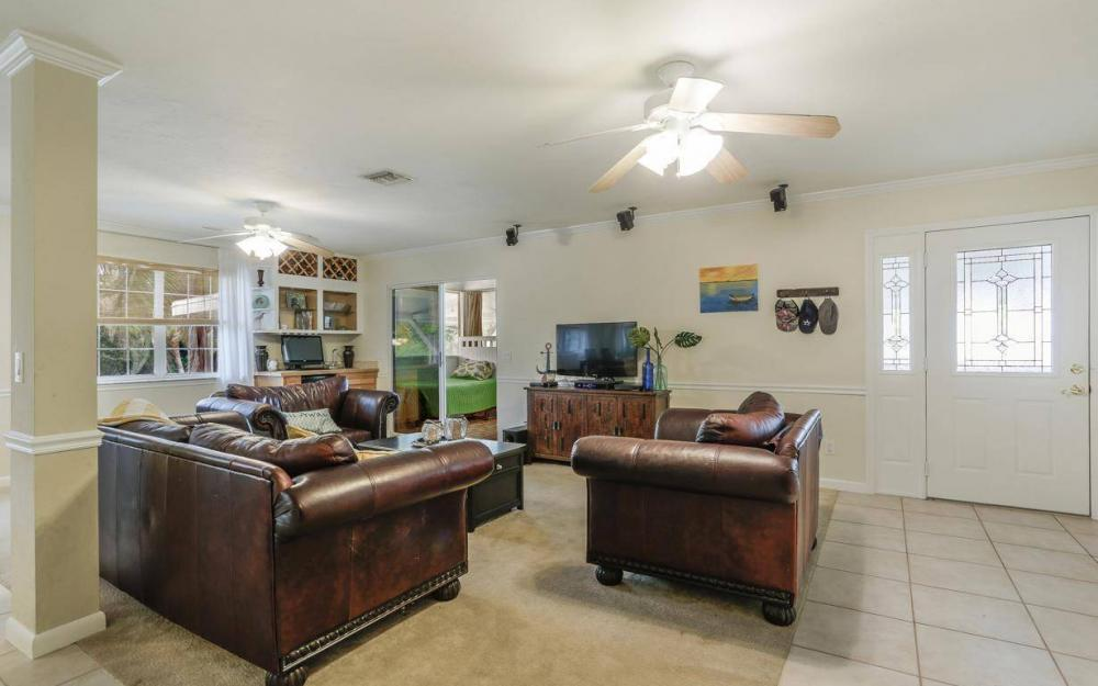 301 Colonial Ave, Marco Island - House For Sale 298898951