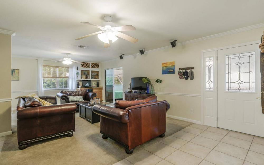 301 Colonial Ave, Marco Island - House For Sale 1388854289