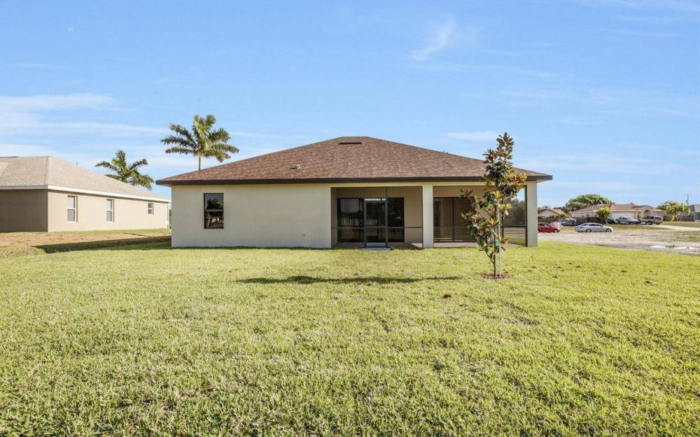 718 SW 12th St, Cape Coral - House For Sale 1488851122