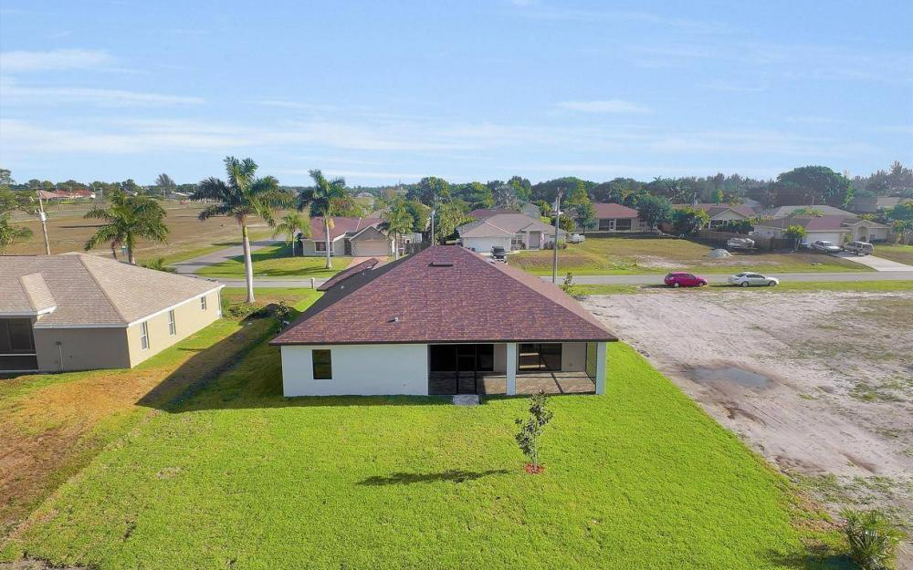 718 SW 12th St, Cape Coral - House For Sale 1588815358