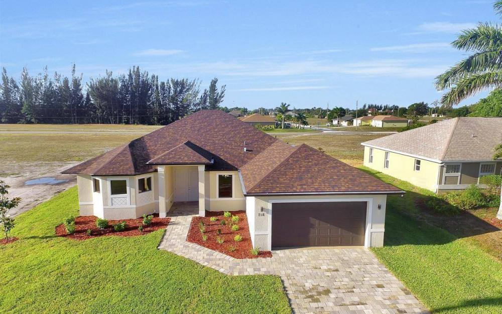 718 SW 12th St, Cape Coral - House For Sale 1139287231