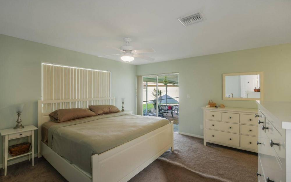 3301 Country Club Blvd, Cape Coral - House For Sale 1836263486