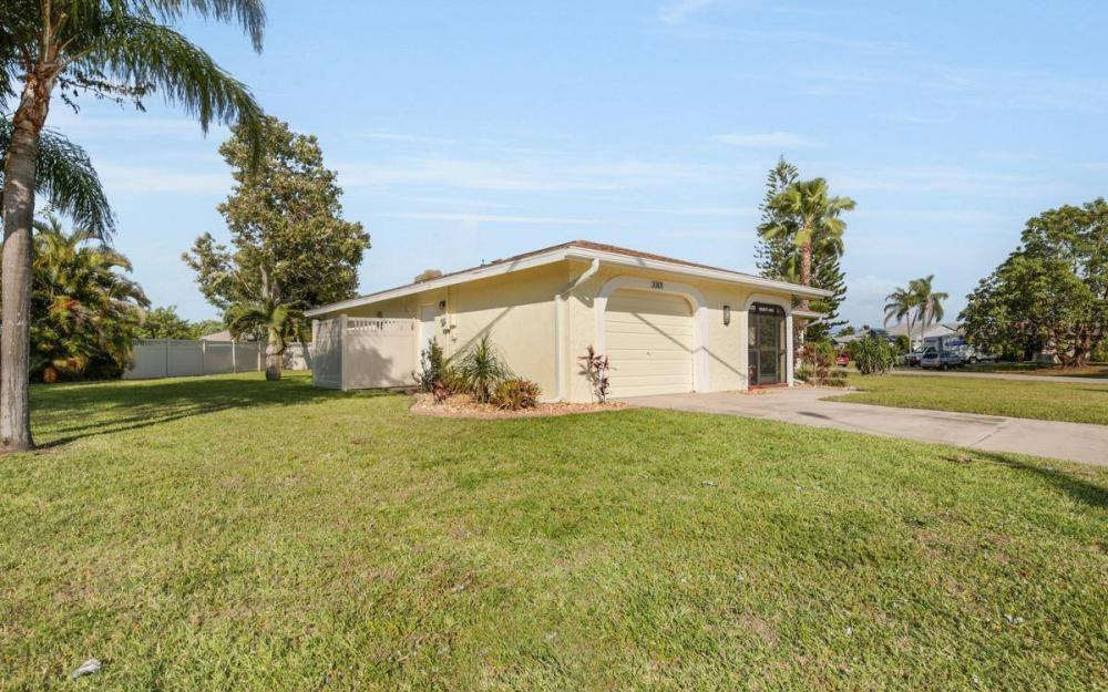 3301 Country Club Blvd, Cape Coral - House For Sale 601393470