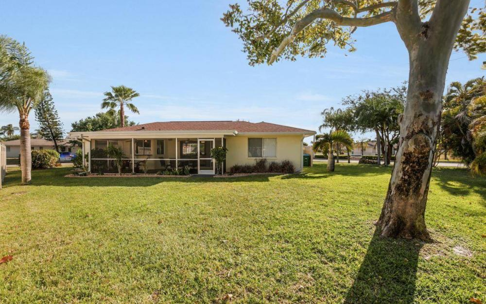 3301 Country Club Blvd, Cape Coral - House For Sale 1587459215