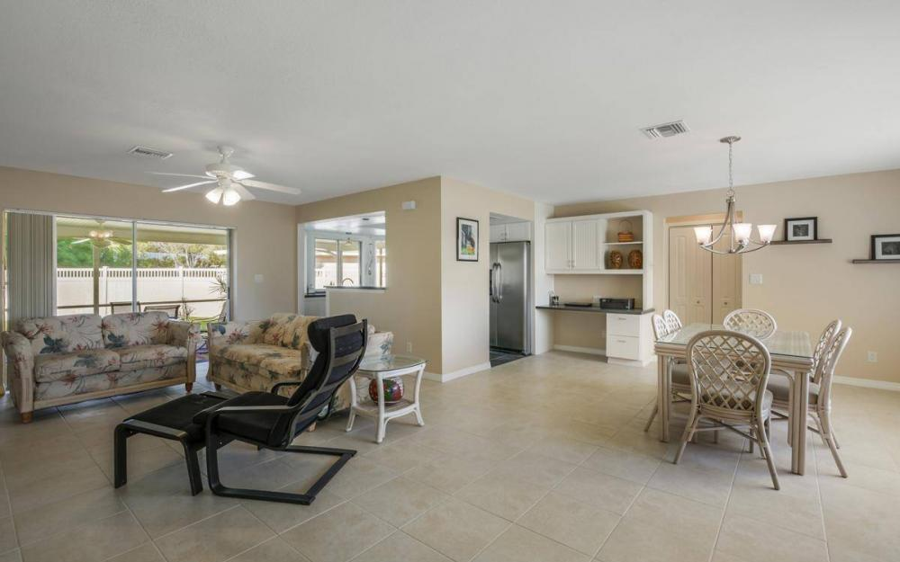 3301 Country Club Blvd, Cape Coral - House For Sale 1095117058