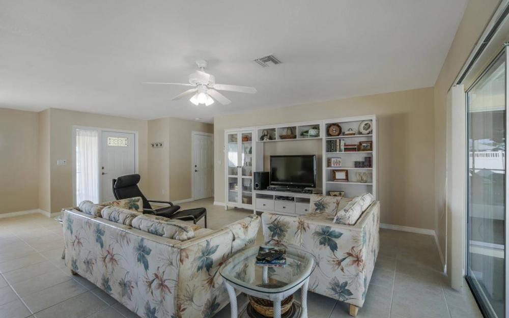 3301 Country Club Blvd, Cape Coral - House For Sale 898803668