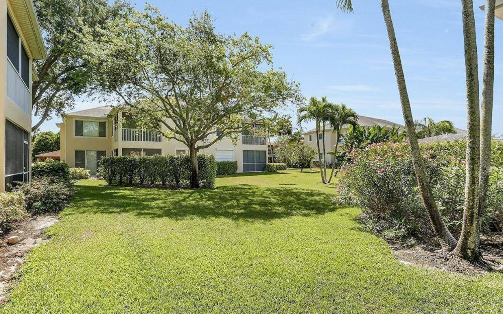 76 Fourth St, Bonita Springs - Condo For Sale 390657318