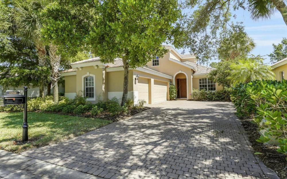 21940 Masters Cir, Estero - House For Sale 1164699261