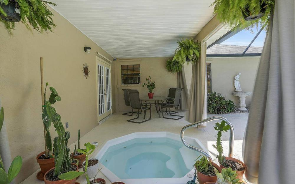 508 SW 8th Ct, Cape Coral - House For Sale 1989498045