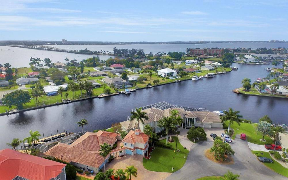 1763 SE 46th St, Cape Coral - House For Sale 513900698