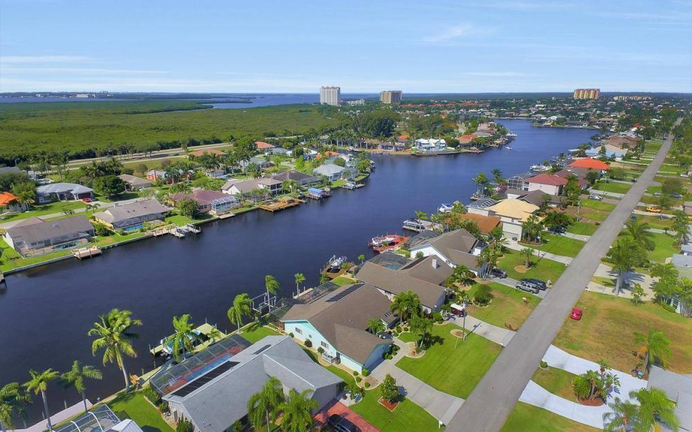 612 SW 56th St, Cape Coral - House For Sale 2056032103