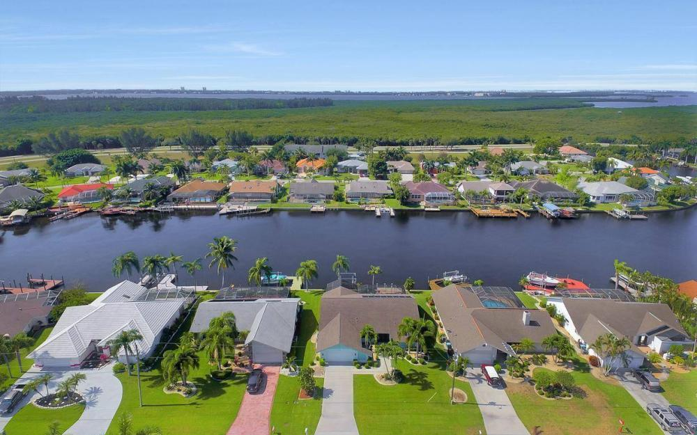 612 SW 56th St, Cape Coral - House For Sale 1968480553