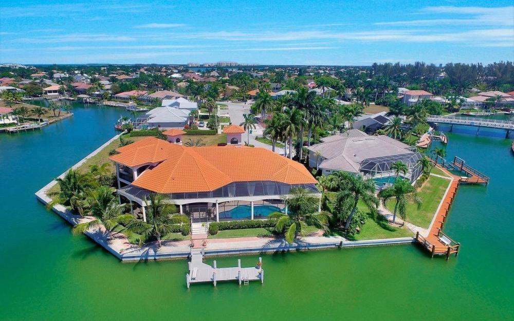 510 Mangrove Ct, Marco Island - House For Sale 1203118585
