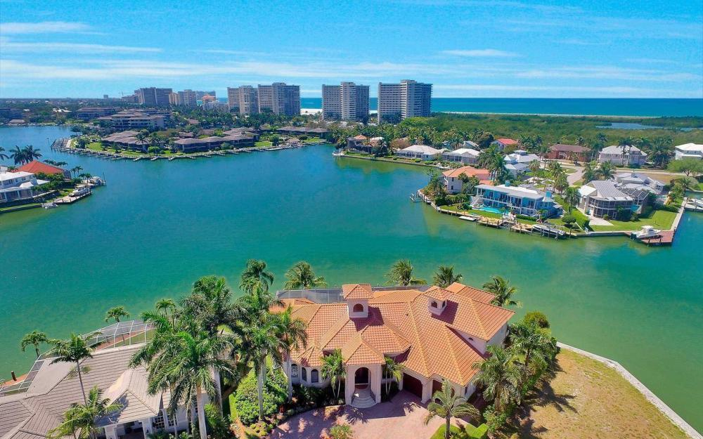 510 Mangrove Ct, Marco Island - House For Sale 2110081903