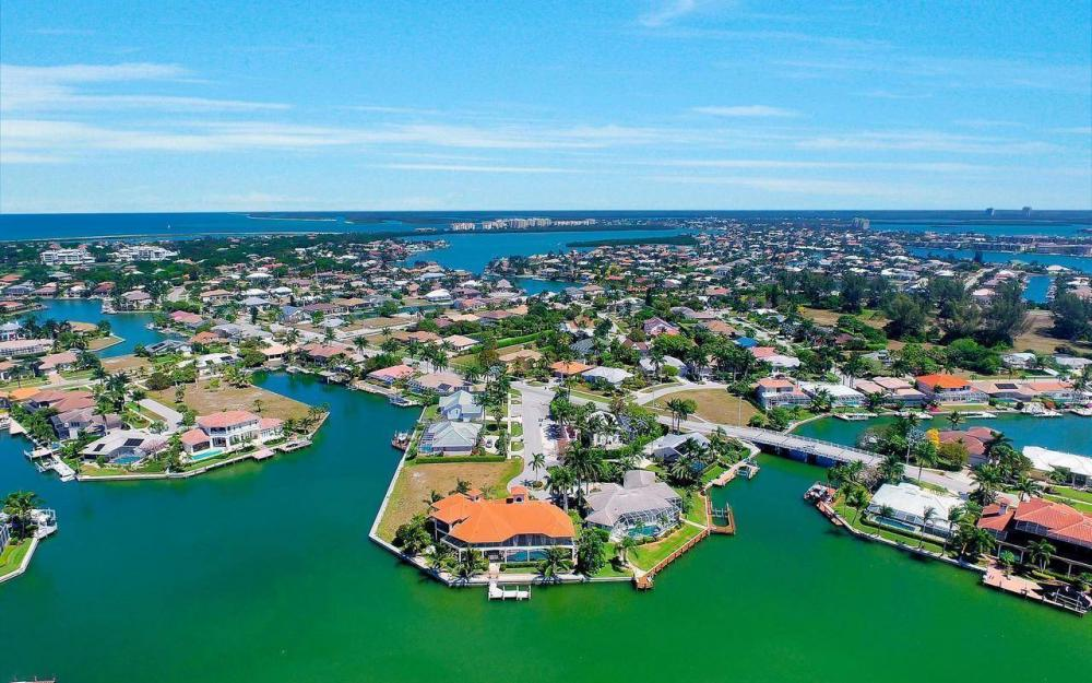 510 Mangrove Ct, Marco Island - House For Sale 1077306327