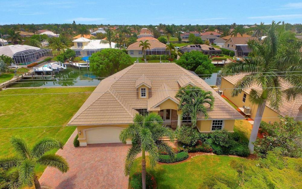 1620 Winterberry Dr, Marco Island - House For Sale 1935323291