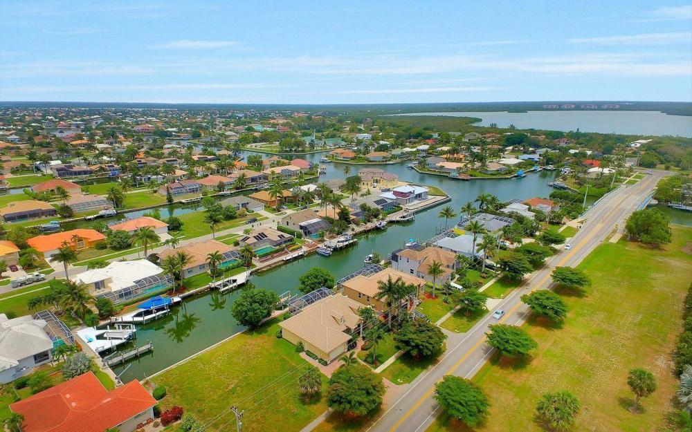 1620 Winterberry Dr, Marco Island - House For Sale 910095539