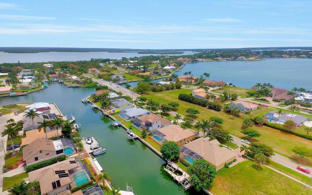 1620 Winterberry Dr, Marco Island - House For Sale 1349660976