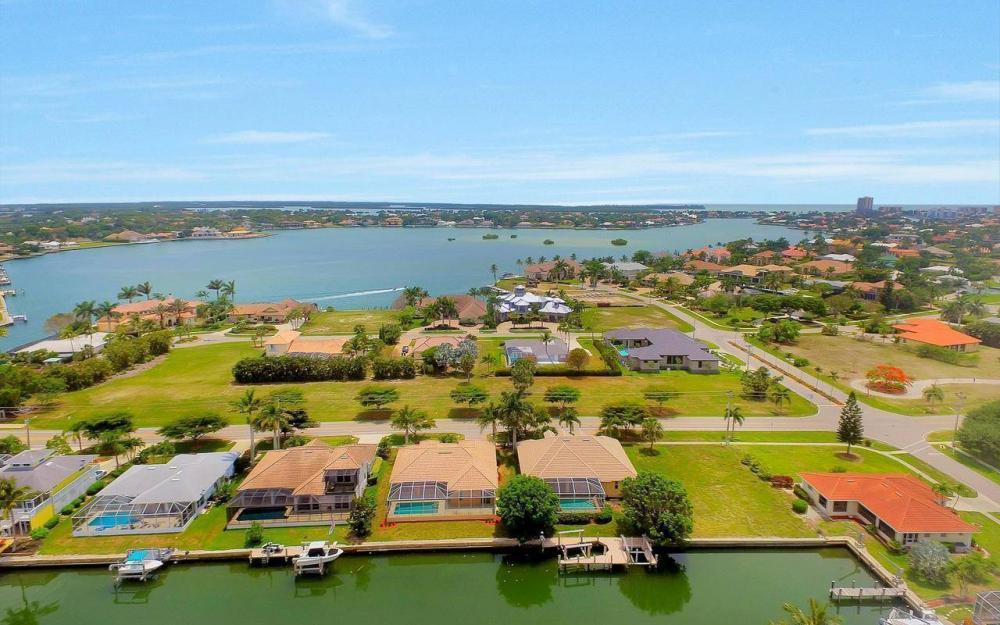 1620 Winterberry Dr, Marco Island - House For Sale 1562821014
