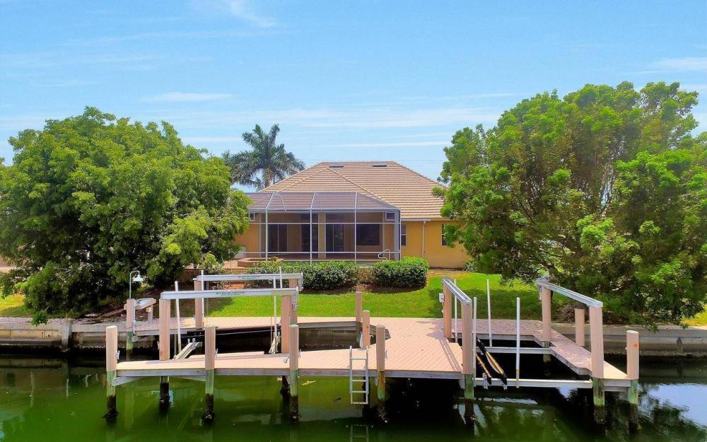 1620 Winterberry Dr, Marco Island - House For Sale 136026273