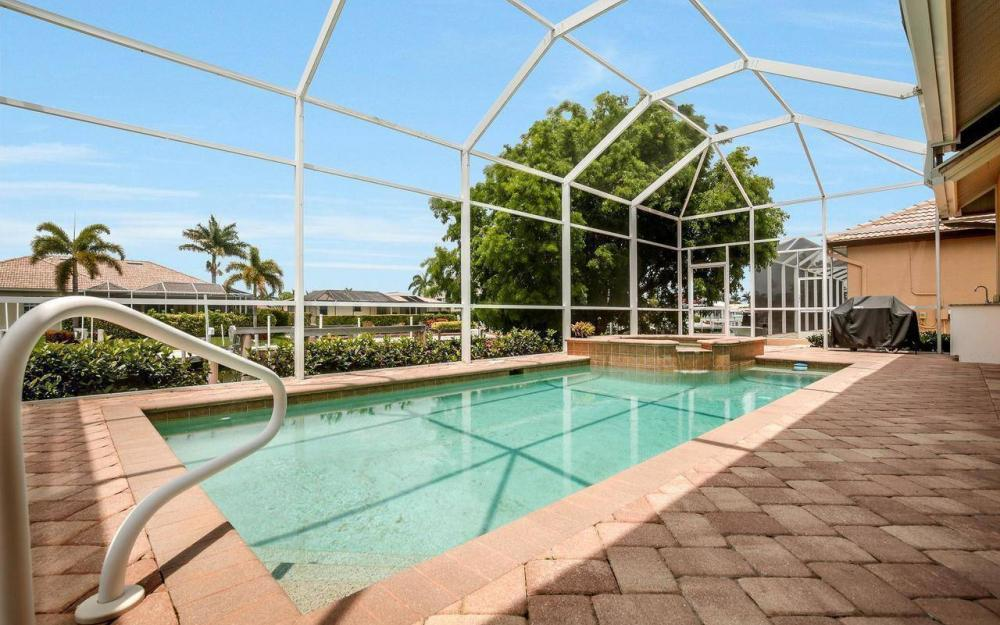 1620 Winterberry Dr, Marco Island - House For Sale 231346112