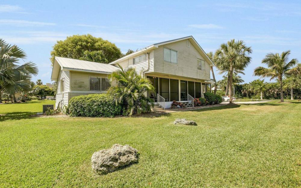 610 Donax St, Sanibel - Tri-Plex For Sale 577962886