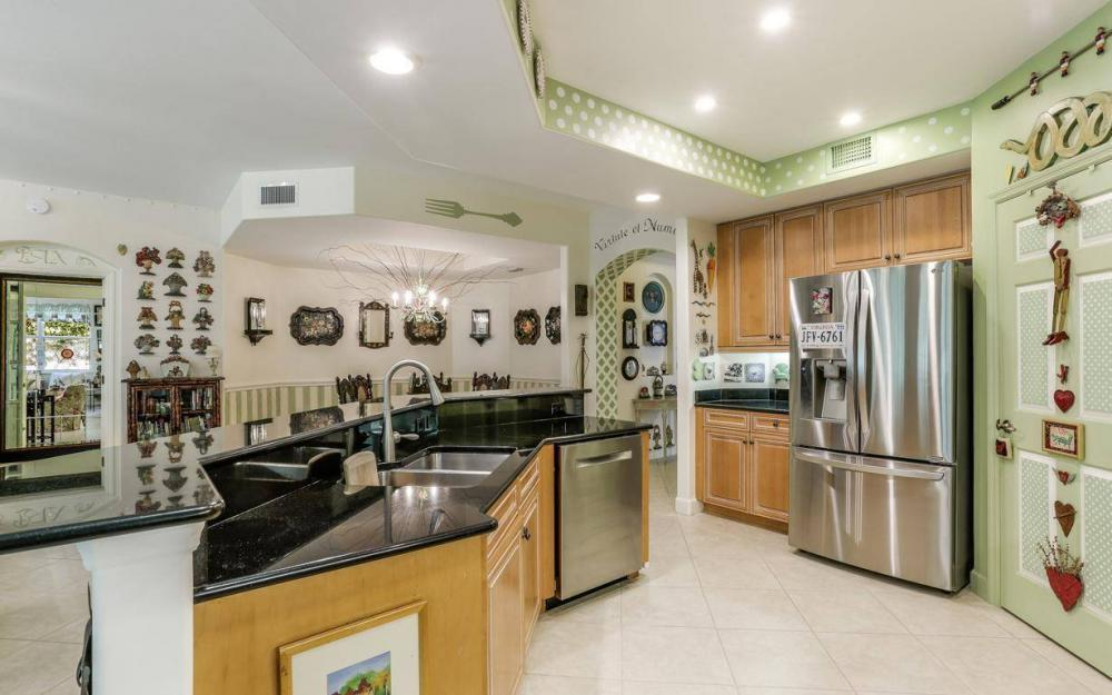 10590 Sevilla Dr #101, Ft.Myers - Condo For Sale 877165198