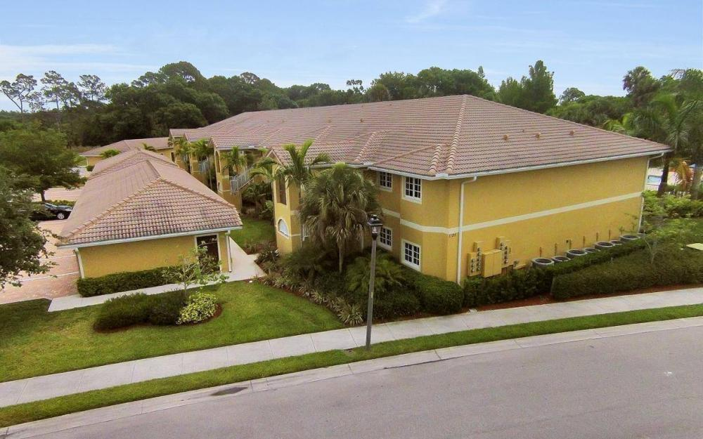 1125 Winding Pines Cir #207, Cape Coral - Condo For Sale 765555938