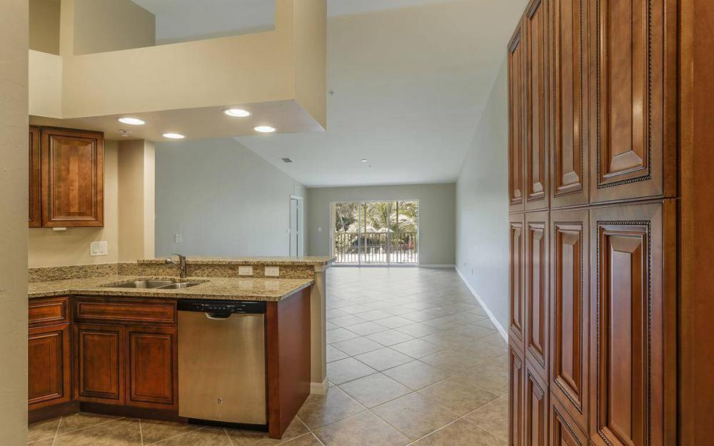 1125 Winding Pines Cir #207, Cape Coral - Condo For Sale 1133842375