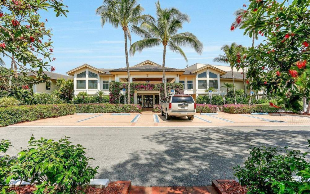 812 Hideaway Circle East #133, Marco Island - Condo For Sale 951587507