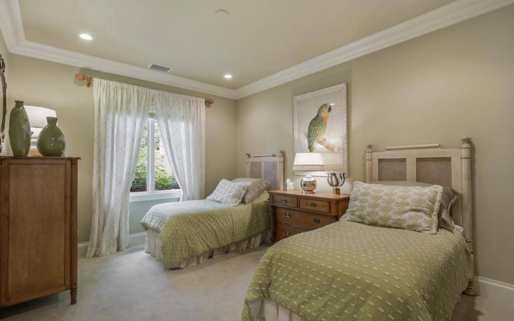 9294 Chiasso Cove Ct, Naples - House For Sale 33720417