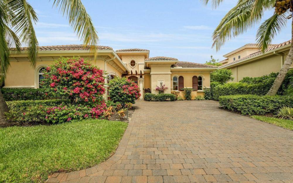 9294 Chiasso Cove Ct, Naples - House For Sale 1250150112