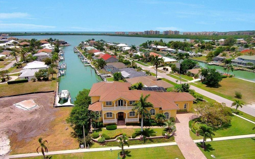 1026 Bald Eagle Dr, Marco Island - House For Sale 1913322760