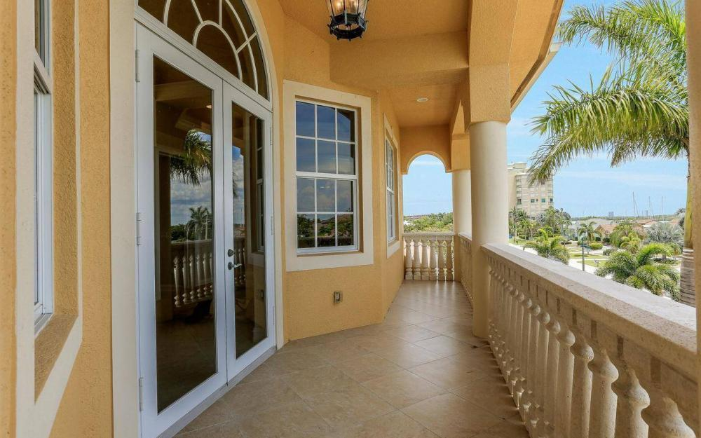 1026 Bald Eagle Dr, Marco Island - House For Sale 409921617