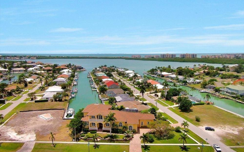 1026 Bald Eagle Dr, Marco Island - House For Sale 144939331
