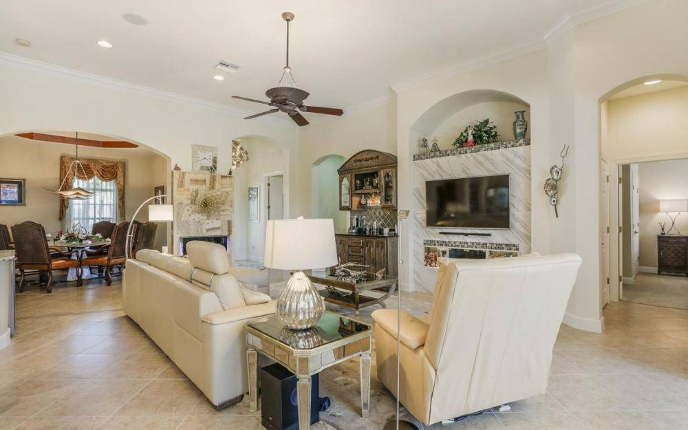 15918 Los Olivos Ln, Naples - House For Sale 1598641294