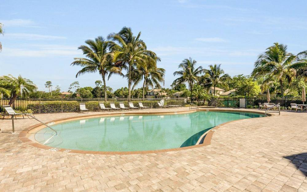 15918 Los Olivos Ln, Naples - House For Sale 2119413439