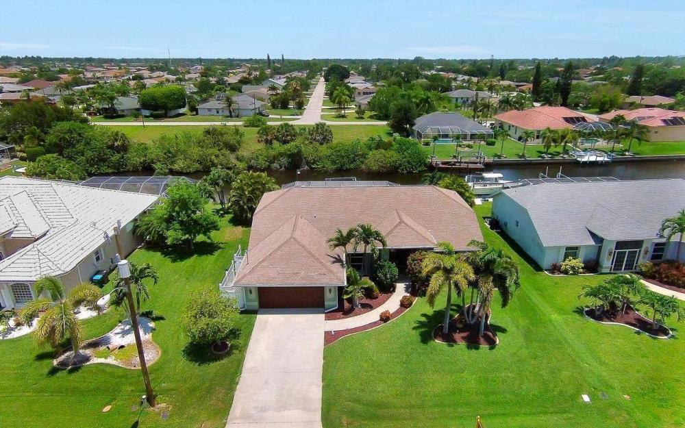 613 SW 43 Ln, Cape Coral - House For Sale 1017756146