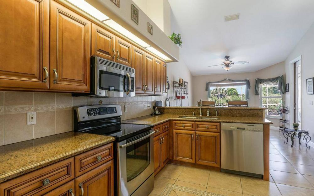 613 SW 43 Ln, Cape Coral - House For Sale 1203898330