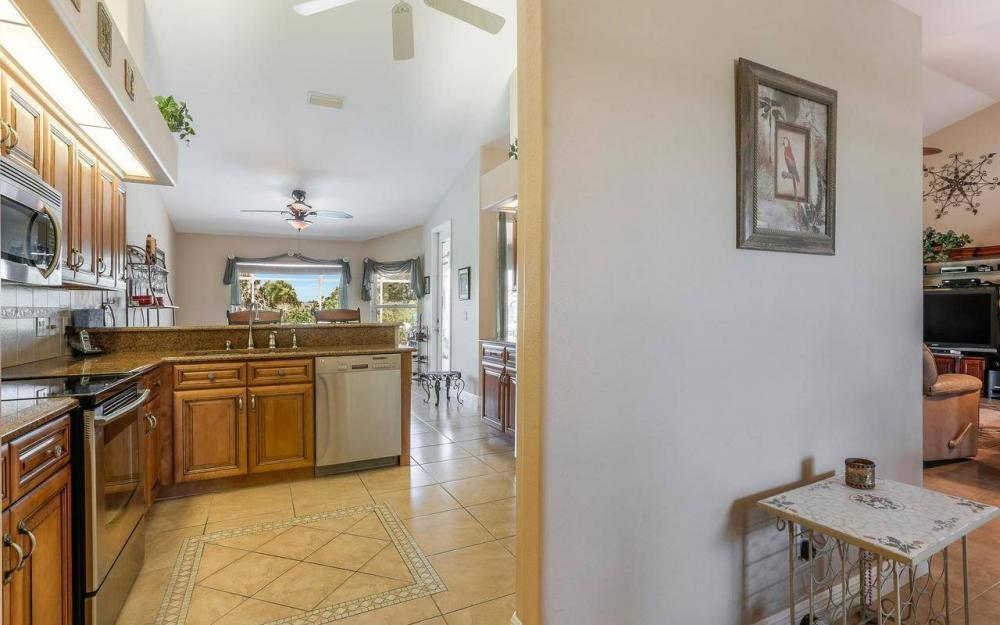 613 SW 43 Ln, Cape Coral - House For Sale 1910828873