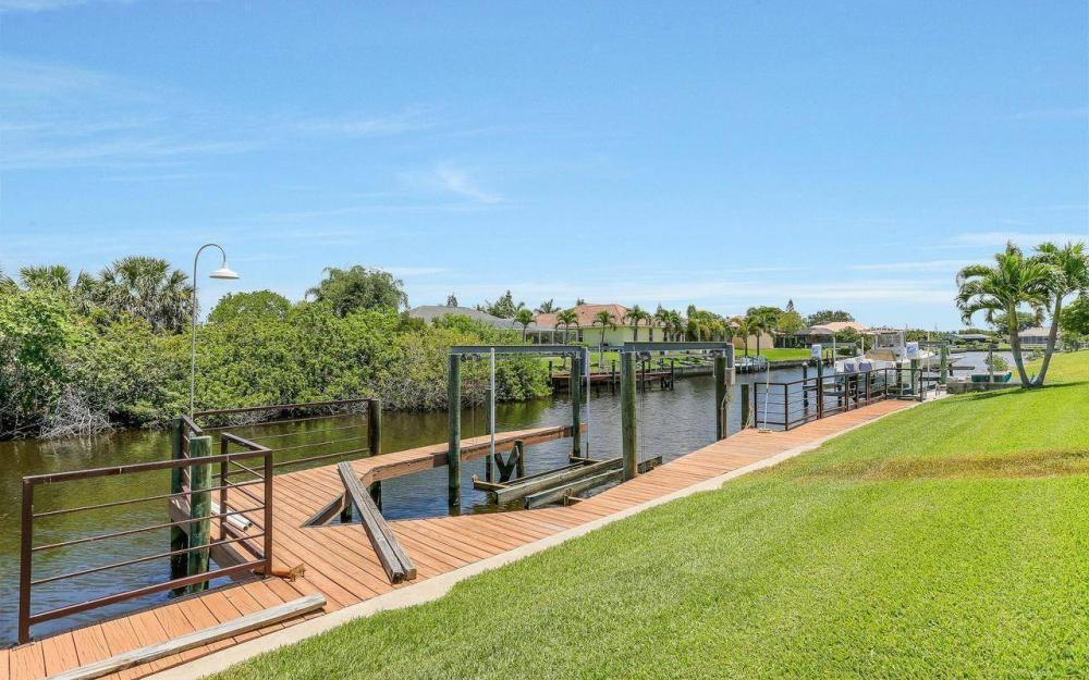 613 SW 43 Ln, Cape Coral - House For Sale 1491236926