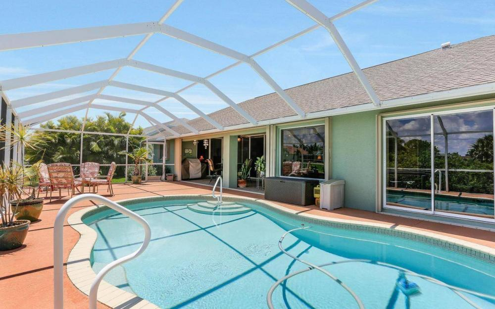 613 SW 43 Ln, Cape Coral - House For Sale 1022174110