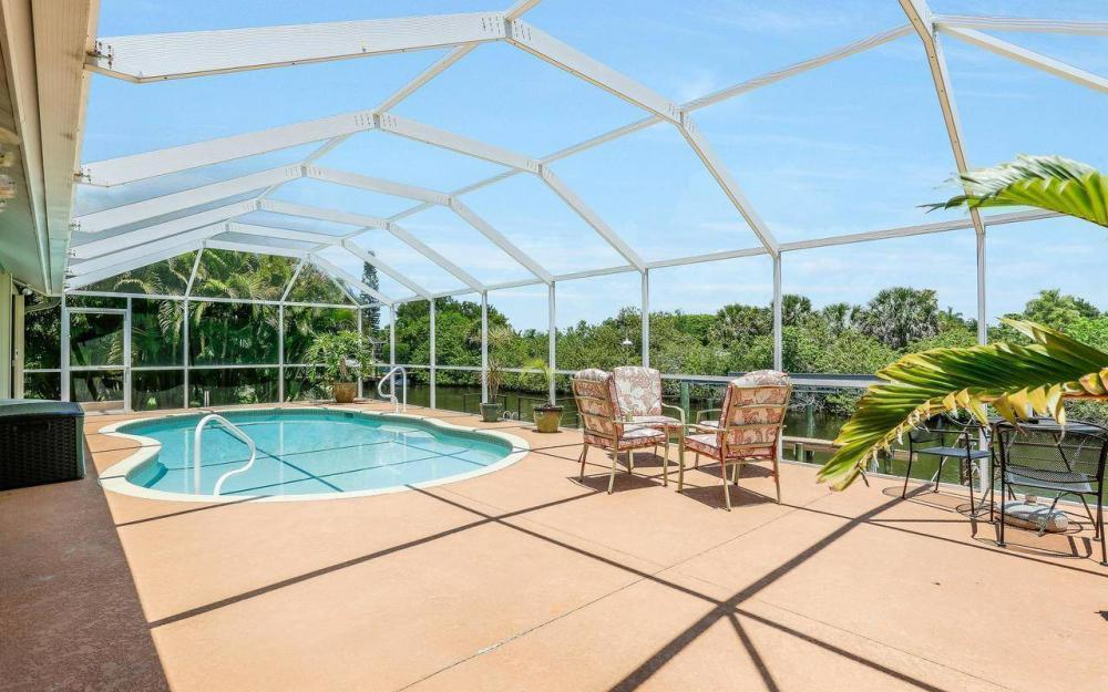 613 SW 43 Ln, Cape Coral - House For Sale 2103144825