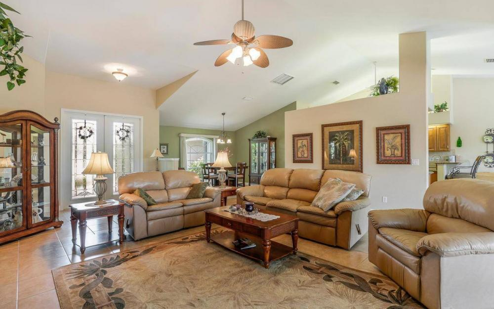 613 SW 43 Ln, Cape Coral - House For Sale 1676200858