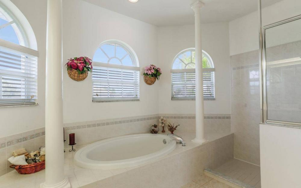 4005 SW 17th Pl, Cape Coral - House For Sale 1231298038