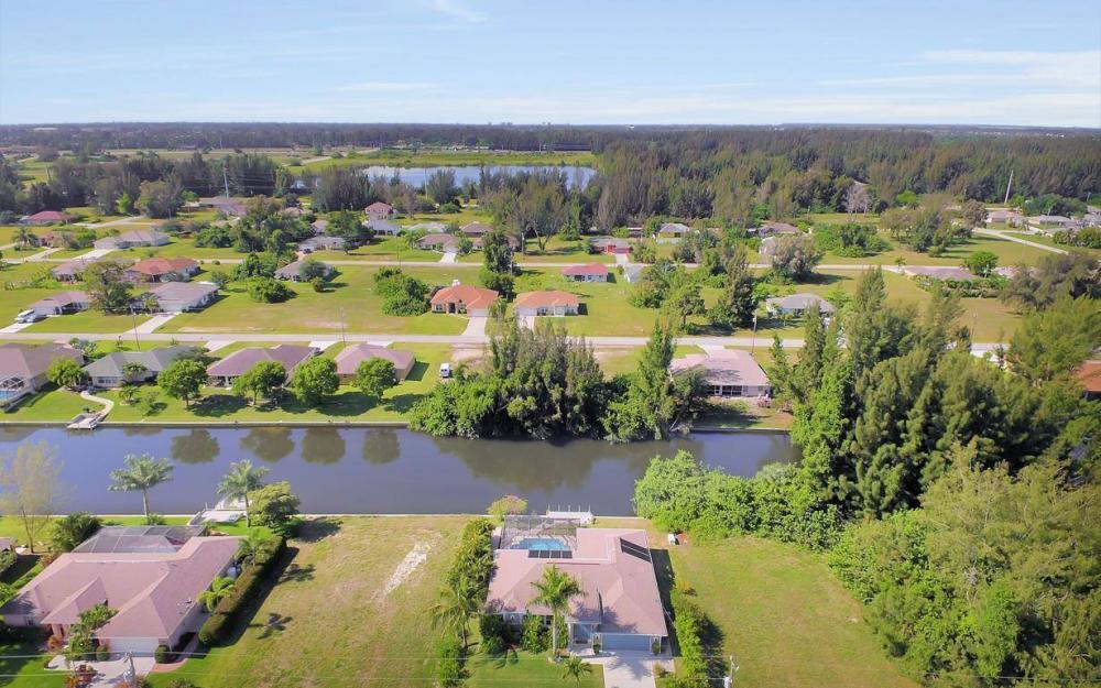 1720 SW 2nd St, Cape Coral - House For Sale 813685985